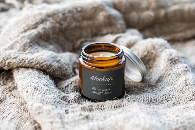 Etiqueta maquete do frasco de vidro com vela artesanal Psd Premium