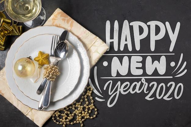 Feliz ano novo conceito com maquete Psd grátis