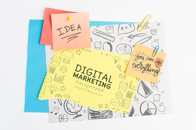 Fundo de marketing digital e ideia de conceito no post-it com rabiscos Psd grátis
