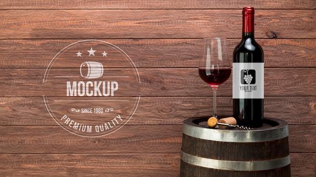 Garrafa e copo de vinho tinto Psd grátis