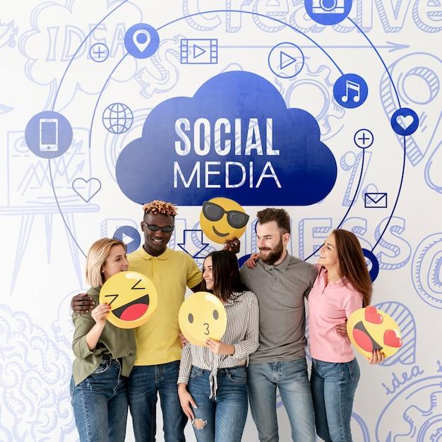 Grupo de amigos de mídia social com emojis Psd grátis