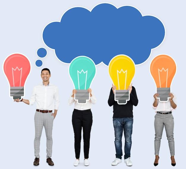 Homem criativo, compartilhando suas idéias Psd Premium