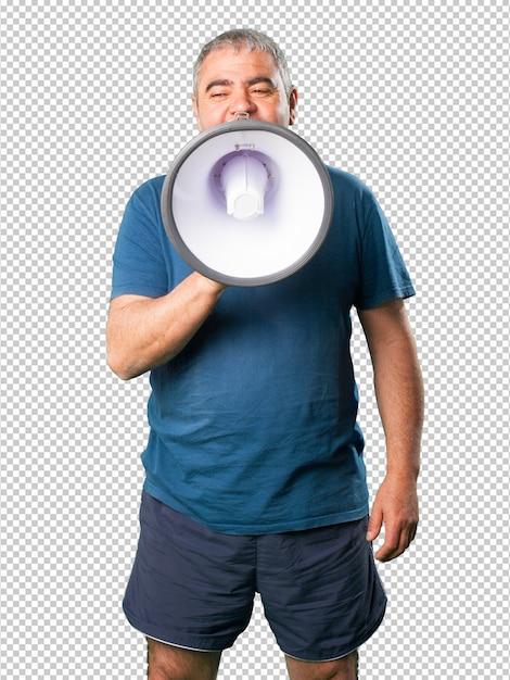 Homem envelhecido médio gritando no megafone Psd Premium