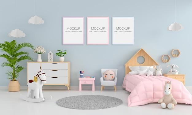 Interior de quarto de criança azul com maquete de quadro Psd grátis