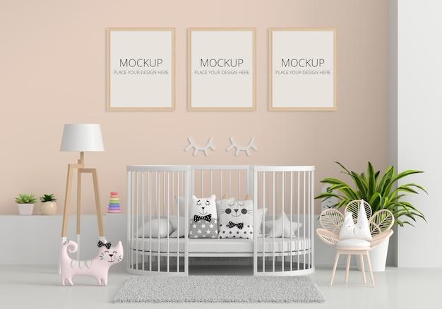 Interior marrom do quarto infantil com maquete do quadro Psd Premium