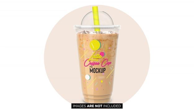 Latte de café frio com copo de recipiente de plástico de gelo com maquete de psd de tubulação Psd Premium