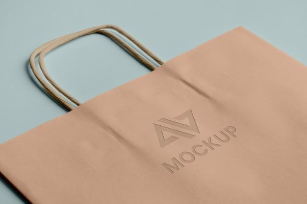 Logotipo da maquete abstrata na sacola de compras Psd grátis