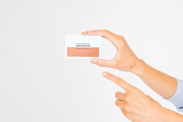 Mão, segurando, cartão negócio, mockup Psd grátis