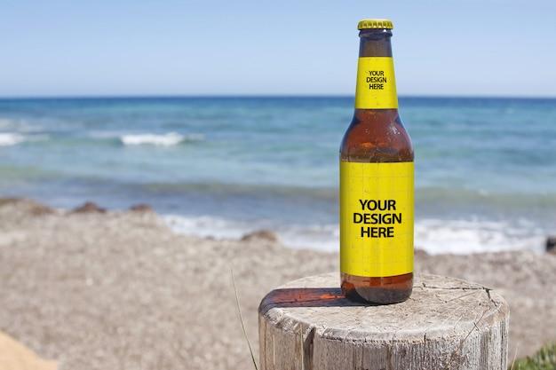 Maquete da cerveja da praia de crashboat Psd Premium