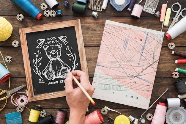 Maquete de ardósia com conceito de costura Psd grátis