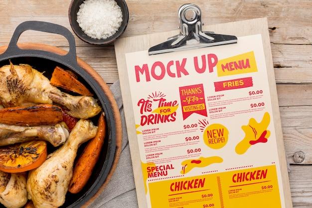 Maquete de arranjo de refeição de frango Psd grátis