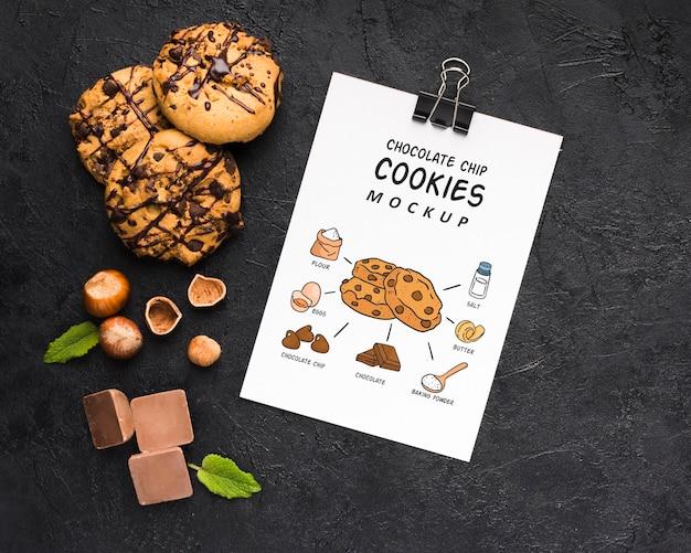 Maquete de biscoitos de chocolate deliciosos Psd Premium