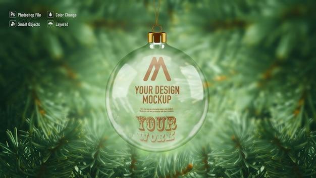Maquete de bola de natal de vidro pendurada na árvore de natal Psd Premium