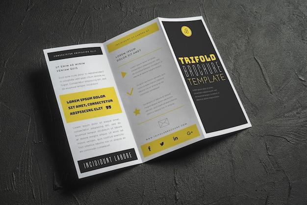 Maquete de brochura com três dobras abertas Psd Premium