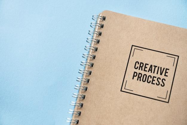 Maquete de caderno de papel marrom natural Psd grátis
