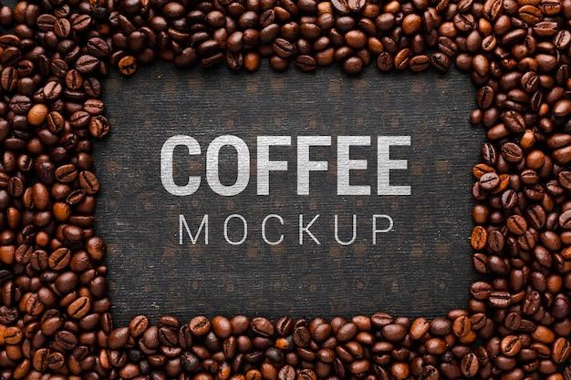 Maquete de café com moldura de grãos de café Psd grátis