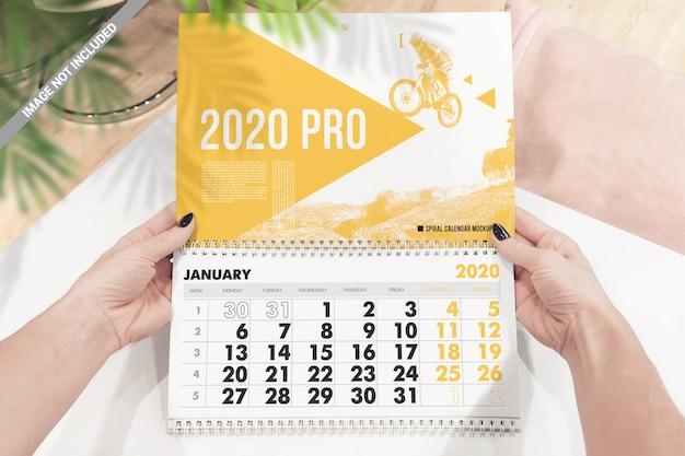 Maquete de calendário de parede em espiral Psd Premium