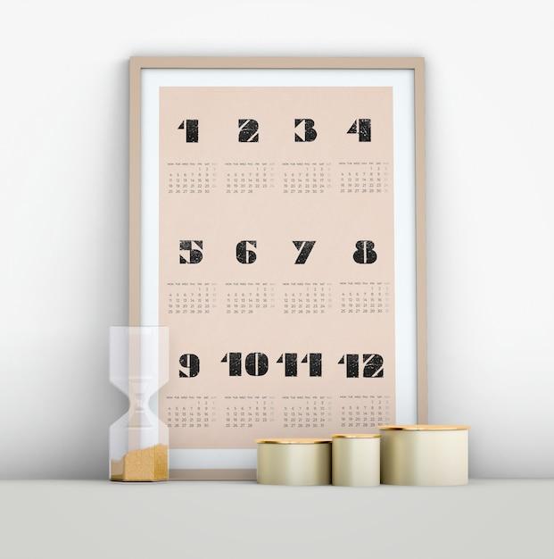 Maquete de calendário minimalista com ampulheta Psd grátis
