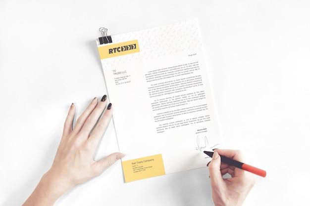 Maquete de carta comercial assinada Psd Premium