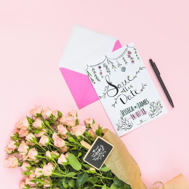 Maquete de cartão com decoração floral para casamento ou citação Psd grátis