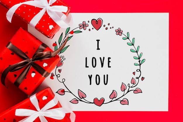 Maquete de cartão de dia dos namorados com presentes Psd grátis