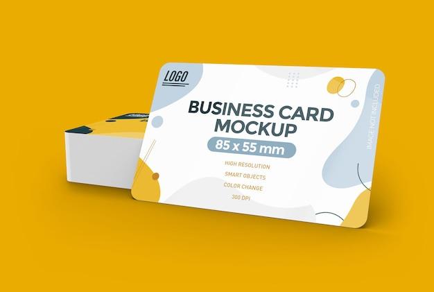 Maquete de cartão de visita com desenho de cantos arredondados isolado Psd Premium