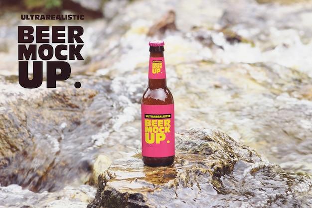 Maquete de cerveja do rio natureza Psd Premium