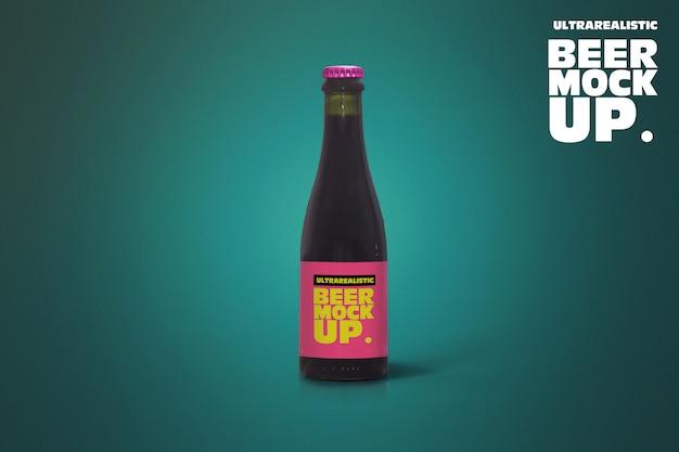 Maquete de cerveja preta limpa 37cl Psd Premium