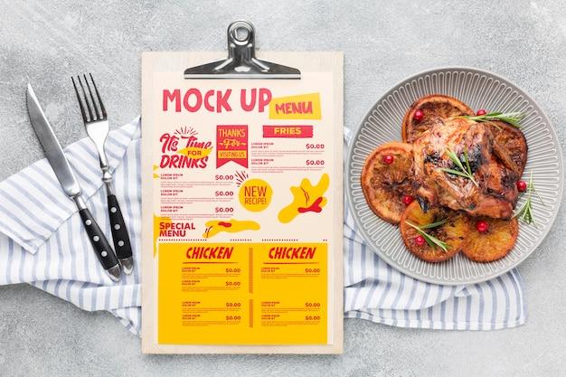 Maquete de composição de refeição de frango Psd grátis