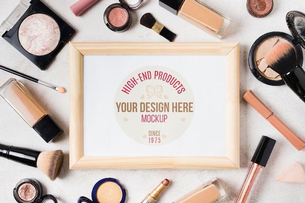 Maquete de conceito de acessórios de maquiagem Psd grátis