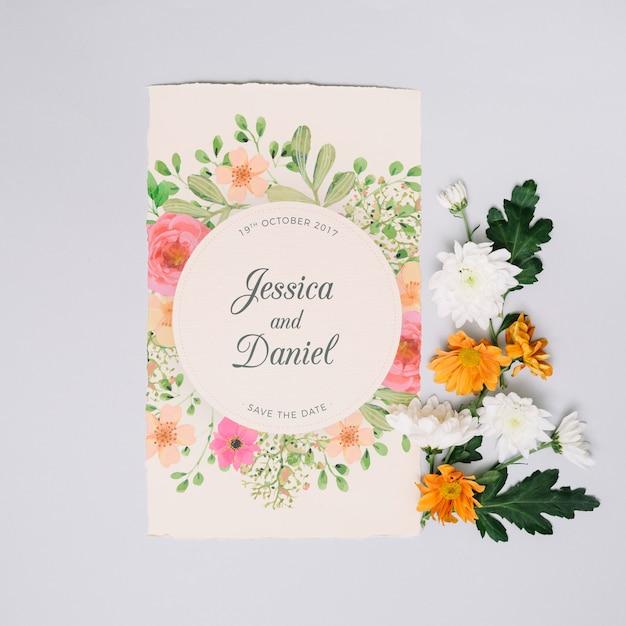 Maquete de convite de casamento com conceito floral Psd grátis