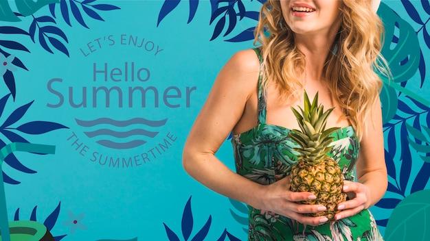 Maquete de copyspace com conceito de verão ao lado de mulher atraente Psd grátis