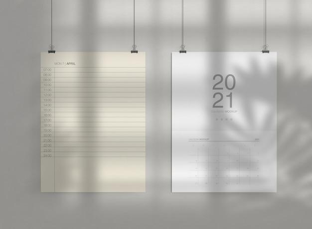 Maquete de dois calendários na parede Psd Premium
