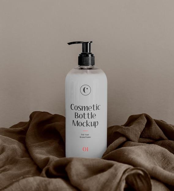 Maquete de garrafa de cosméticos brancos Psd Premium