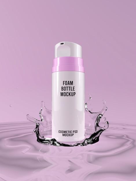 Maquete de garrafa de espuma de rosto em respingos de água de fundo rosa 3d Psd Premium