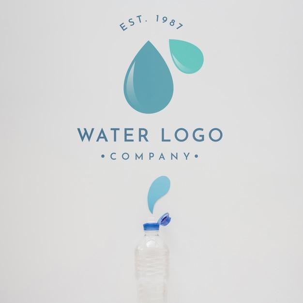 Maquete de logotipo de água na copyspace Psd grátis