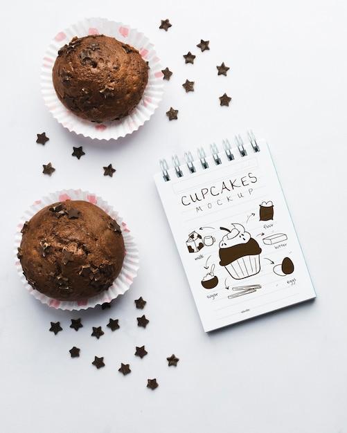Maquete de muffins de chocolate deliciosos Psd grátis