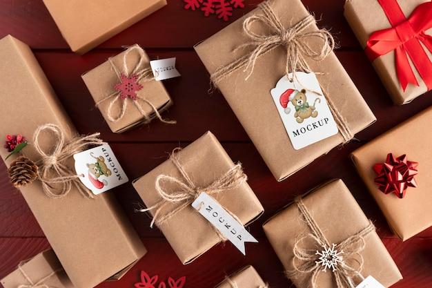 Maquete de natal com vários presentes embrulhados Psd grátis