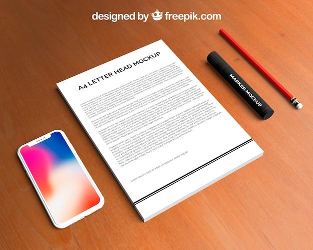 Maquete de papel timbrado e smartphone Psd grátis