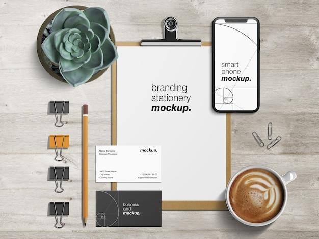 Maquete de papelaria profissional identidade corporativa de negócios conjunto com papel timbrado, cartões de visita e smartphone Psd Premium