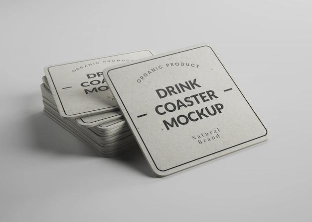 Maquete de porta-copos de papel quadrado com bordas redondas em vista isométrica Psd Premium
