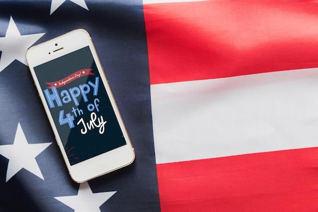 Maquete de smartphone para o dia da independência dos eua Psd grátis