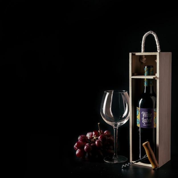 Maquete decorativo vinho com copyspace no lado esquerdo Psd grátis