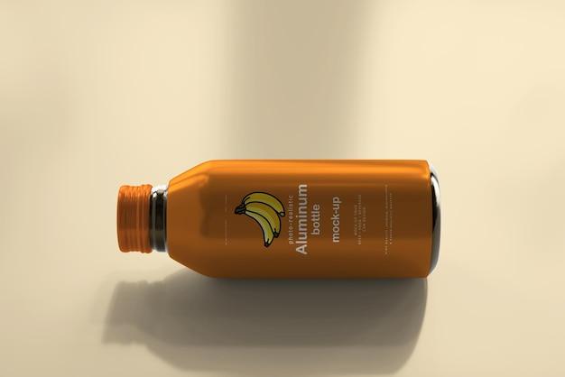 Maquete grande de garrafa de bebida de alumínio Psd grátis