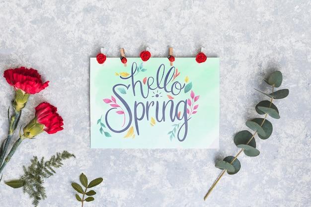 Maquete plana leiga de primavera com cartão Psd grátis