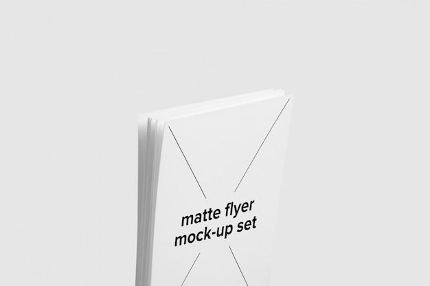 Matte, flyer, maquete, cima, jogo, meio Psd grátis