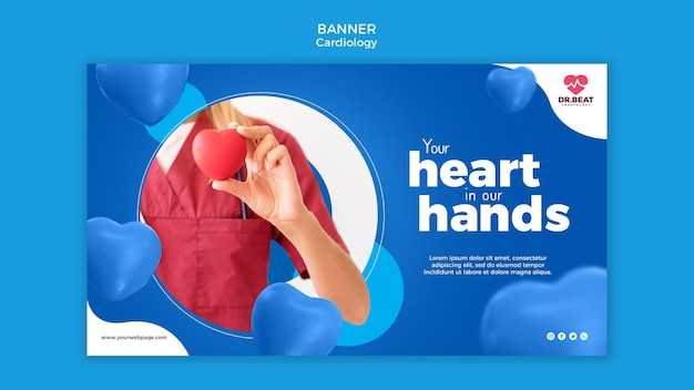 Médico de cardiologia segurando um modelo da web de banner de coração de brinquedo Psd grátis