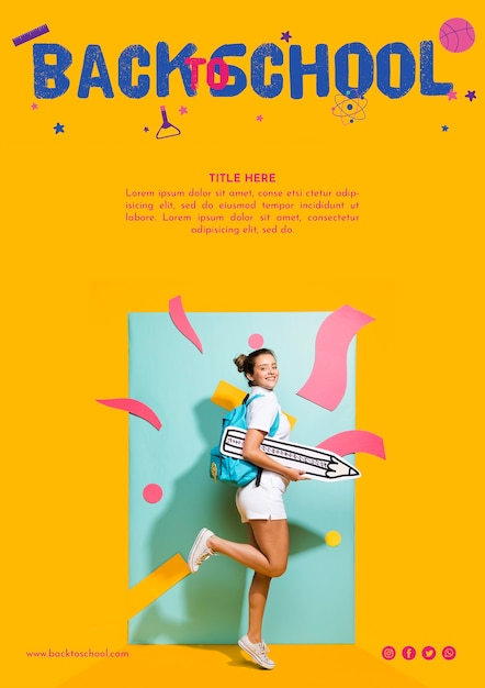 Menina adolescente de lado com fundo laranja Psd grátis