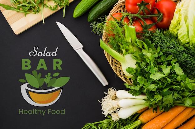 Menu de bar de saladas com legumes nutrientes Psd grátis