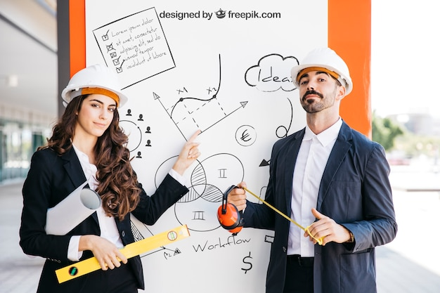 Mockup de negócios com casal de arquitetos Psd grátis